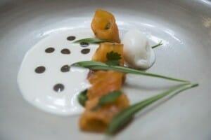 Sopa de piñón blanco, trucha y saúco. La Botica