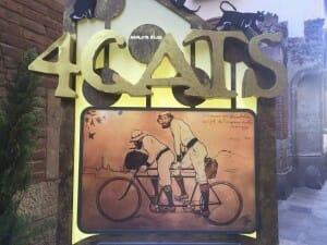 Detalle de la entrada del restaurante 4 Gats