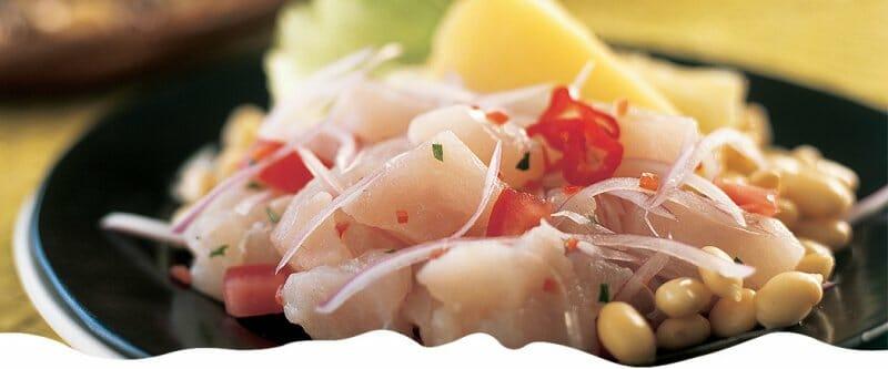 Ceviche de pescado según la receta tradicional de Perú