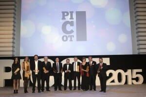 Foto de familia de los premiados en los Premios Picot