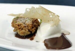 Chufa frita, crujiente y helada con cacao a los cítricos, de Alejandro del Toro