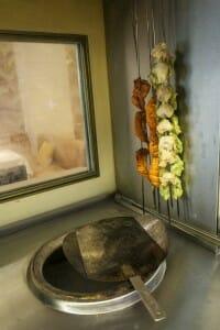 Detalle horno tandoor en Benares