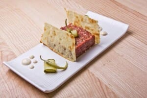 Steak tartar de solomillo LA CANICA