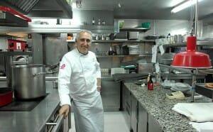 Adolfo en la cocina
