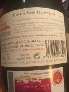 Etiqueta trasera de una botella de vino
