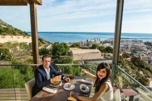 Excelente cocina y vistas desde La Ereta