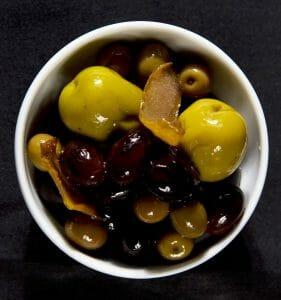 Libertine - Olivas marinadas en la casa - Estanis Carenzo