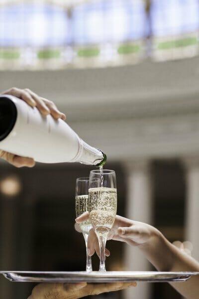 ¿Engordan las bebidas alcohólicas? Sí, y además las de alta graduación no alimentan