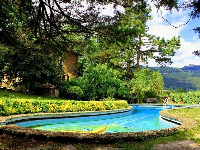5 piscinas rurales únicas para refrescarse este verano