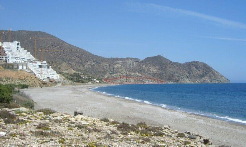 Playa del Algarrobico, en Almería