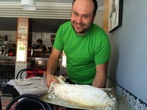 Salva, propietario y cocinero del Restaurante Natalí