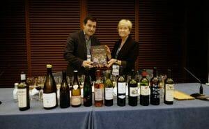 Josep Roca e Inma Puig posan con su nuevo libro