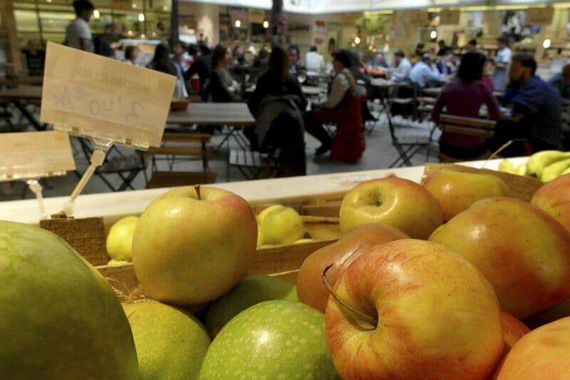 Pasen y lean: seis lugares de Madrid en donde alimentar cuerpo y alma
