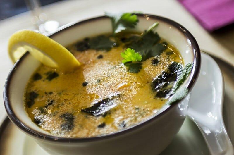 Dhal soup, sopa de lentejas
