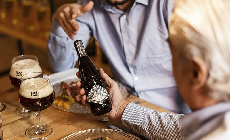 Olvídate de corbatas: este año, regala a tu padre cerveza Casimiro Mahou