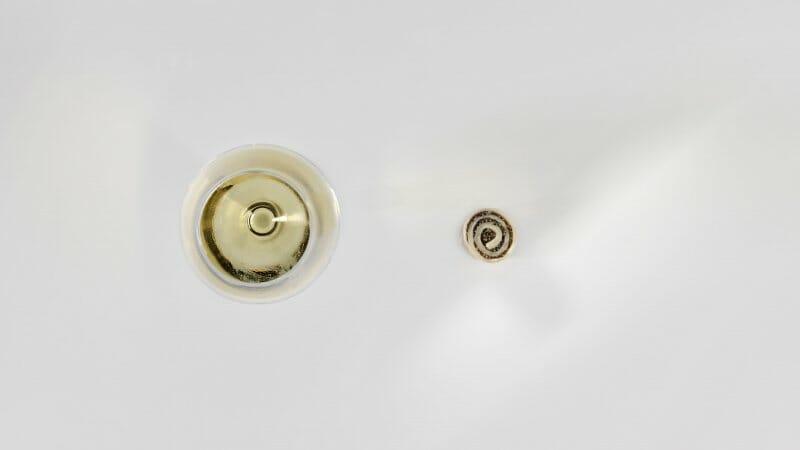 moleculas-de-cultura-riesling-anejo-con-caviar-foto-jose-luis-lopez-de-zubiria-mugaritz