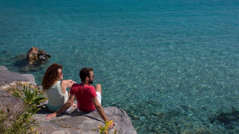 Descubre Grecia a través de sus islas menos turísticas y más espectaculares