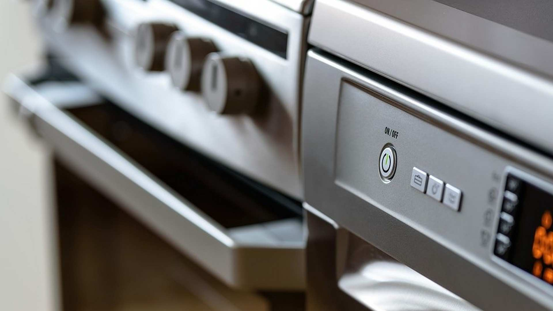 ¿Cómo limpiar el horno de casa sin programa de autolimpieza?