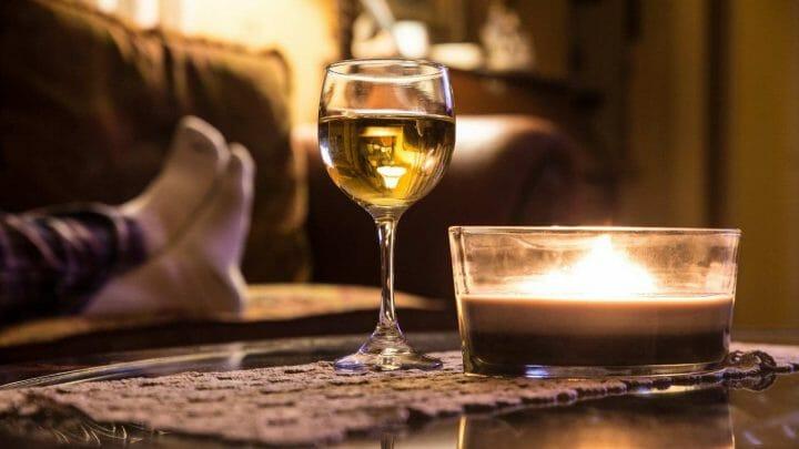 Un maridaje especial: vinos y las mejores series de TV
