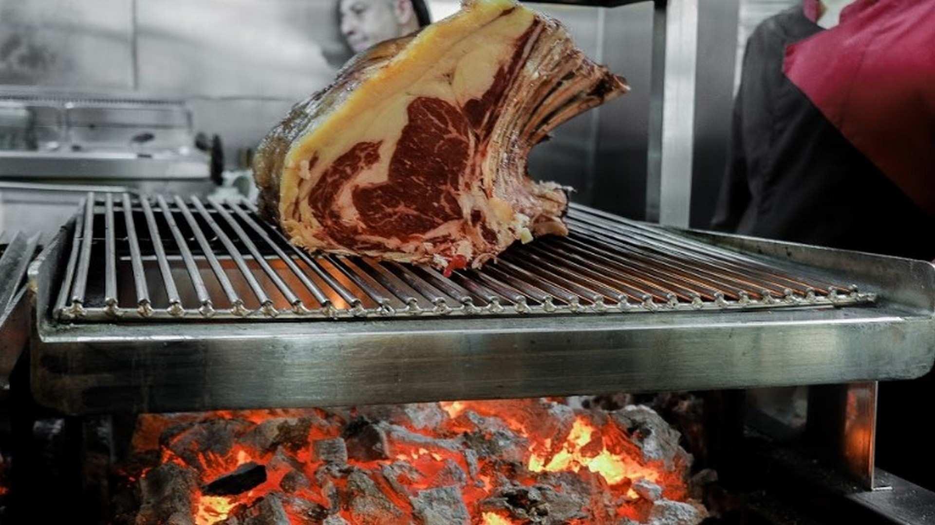 Restaurante Almansa: pasión y brasas en el corazón de Sevilla