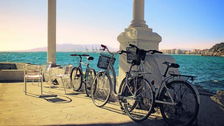 Málaga de playas, museos, 'pescaíto' y vistas de vértigo