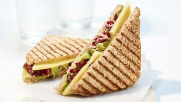 Receta de Sandwich de Aguacate y queso