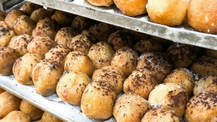 Es tiempo de buñuelos... y de huesos de santo, panellets y otros dulces llenos de tradición