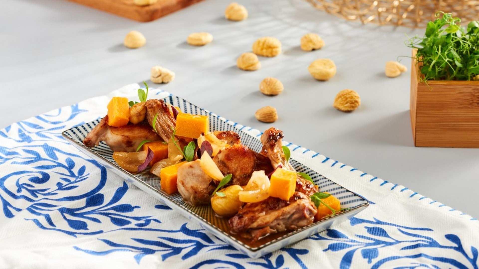 Receta de conejo en escabeche de cebollitas, boniatos y castañas