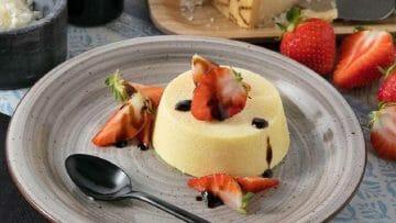 Receta de Pudin salado de queso y fresas