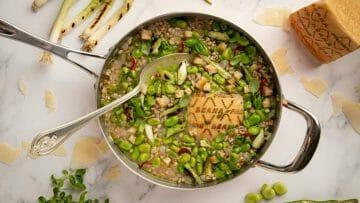 Receta de Sopa de Espelta, Habas y Grana Padano