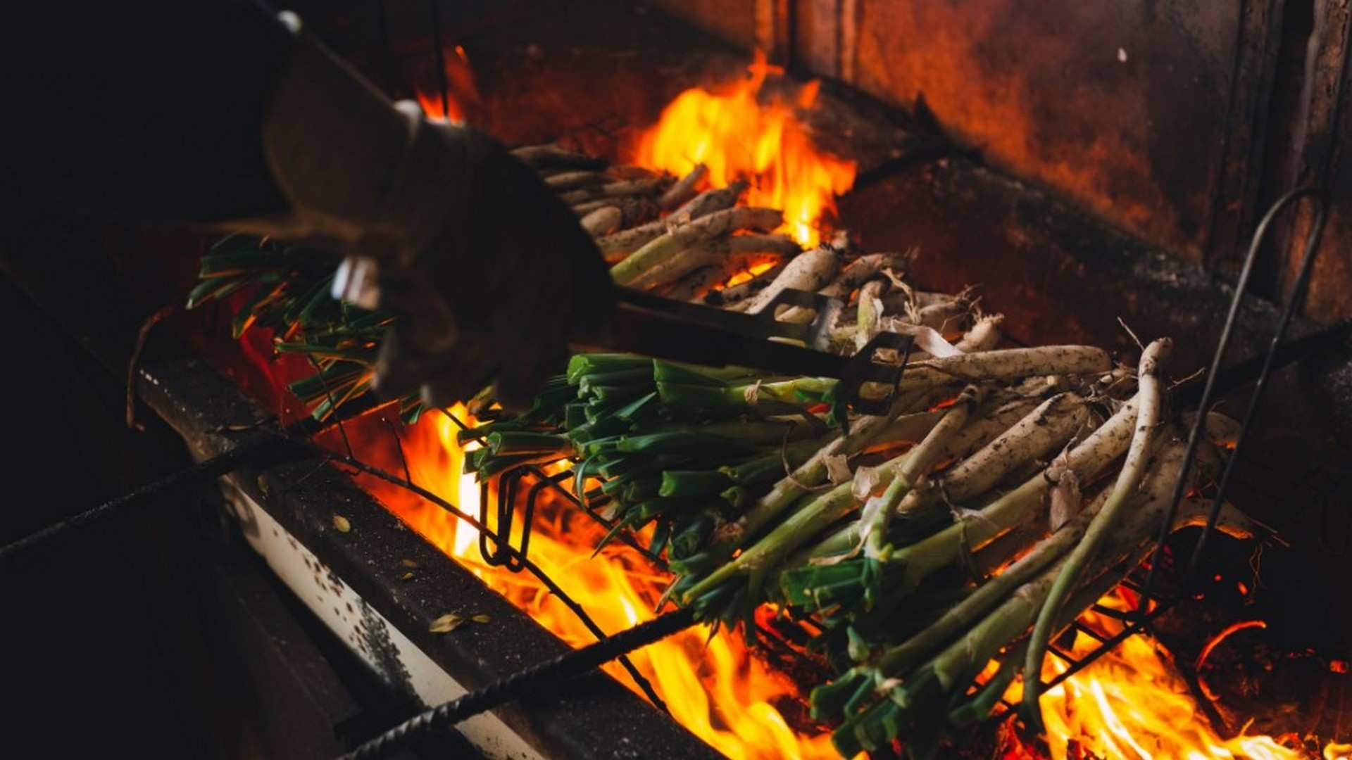 Los Calçot se adaptan a la nueva normalidad: los mejores restaurantes de Barcelona para degustarlos