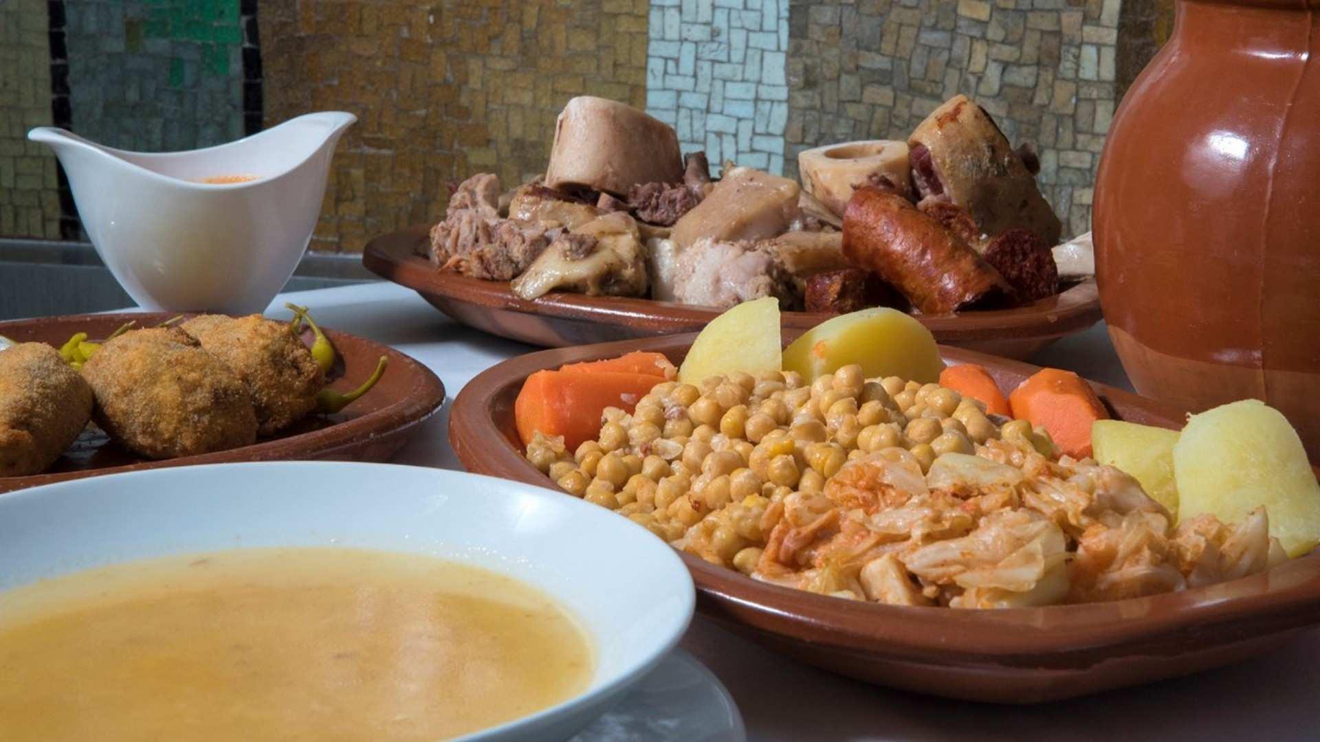 ¿Dónde se prepara el mejor cocido madrileño de Madrid? De ruta castiza por la capital