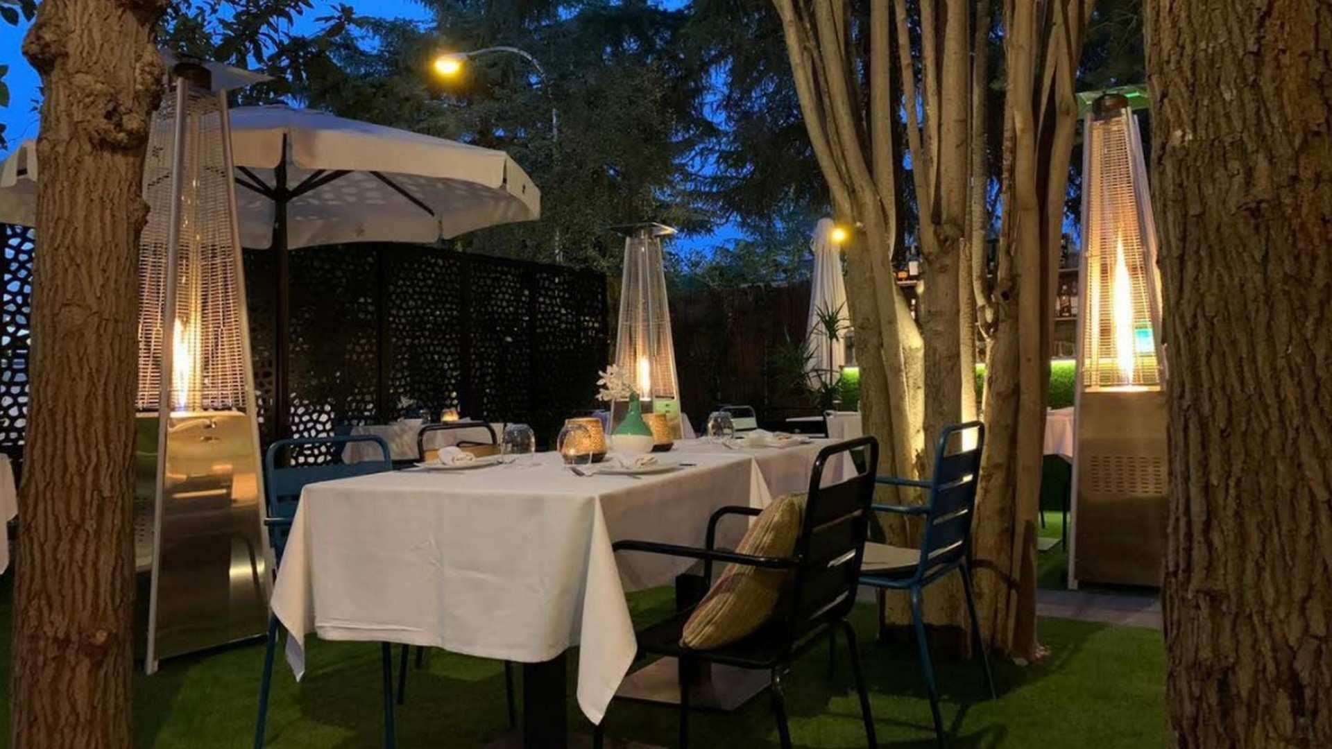 El Jardín de Alma: terraza, ostras, champange y buena gastronomía