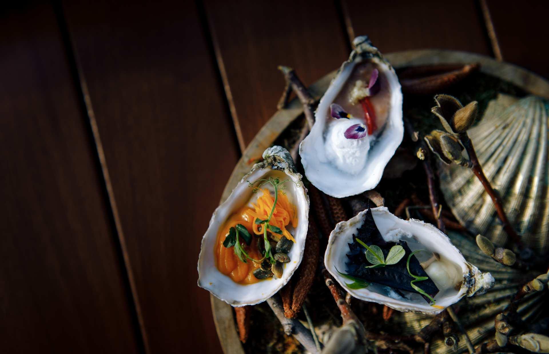 8. Food Hall de Galería Canaletas nos trae las mejores ostras de la mano de  Amélie.jpg