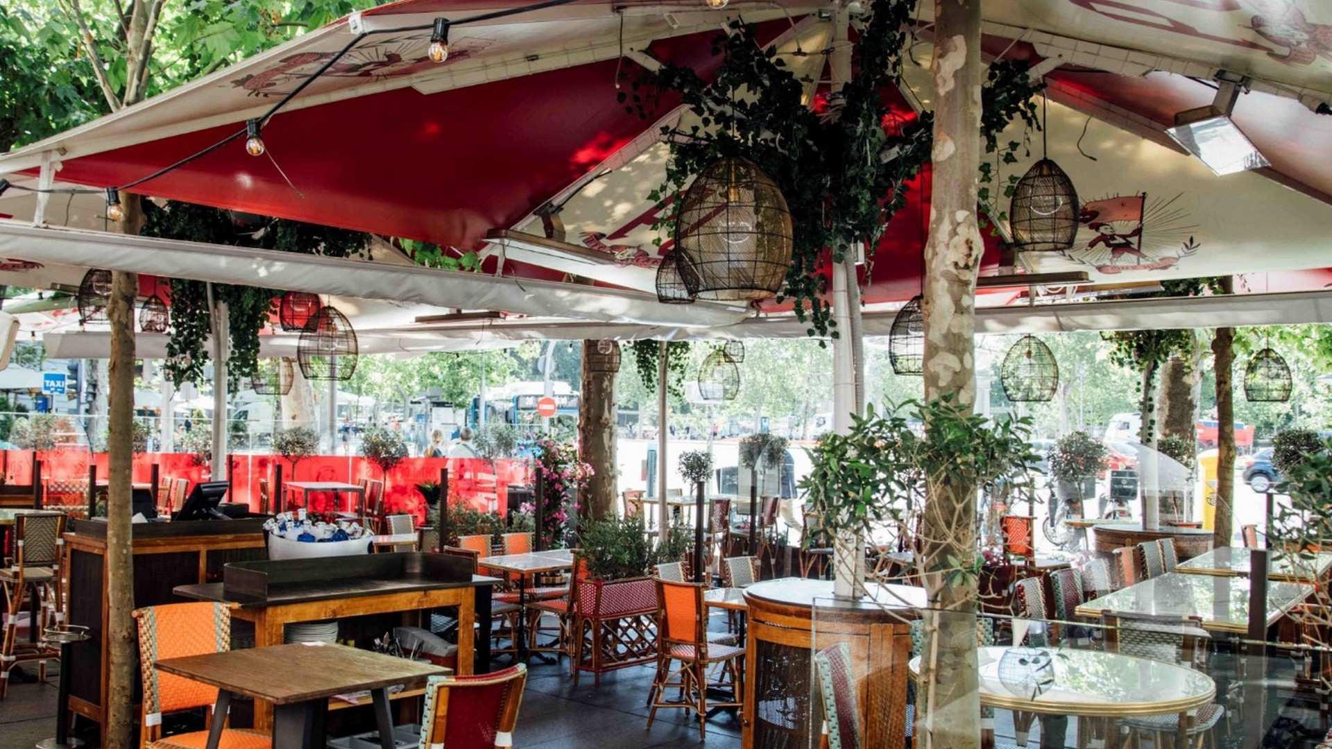 La hostelería madrileña se reestructura tras un año de Covid