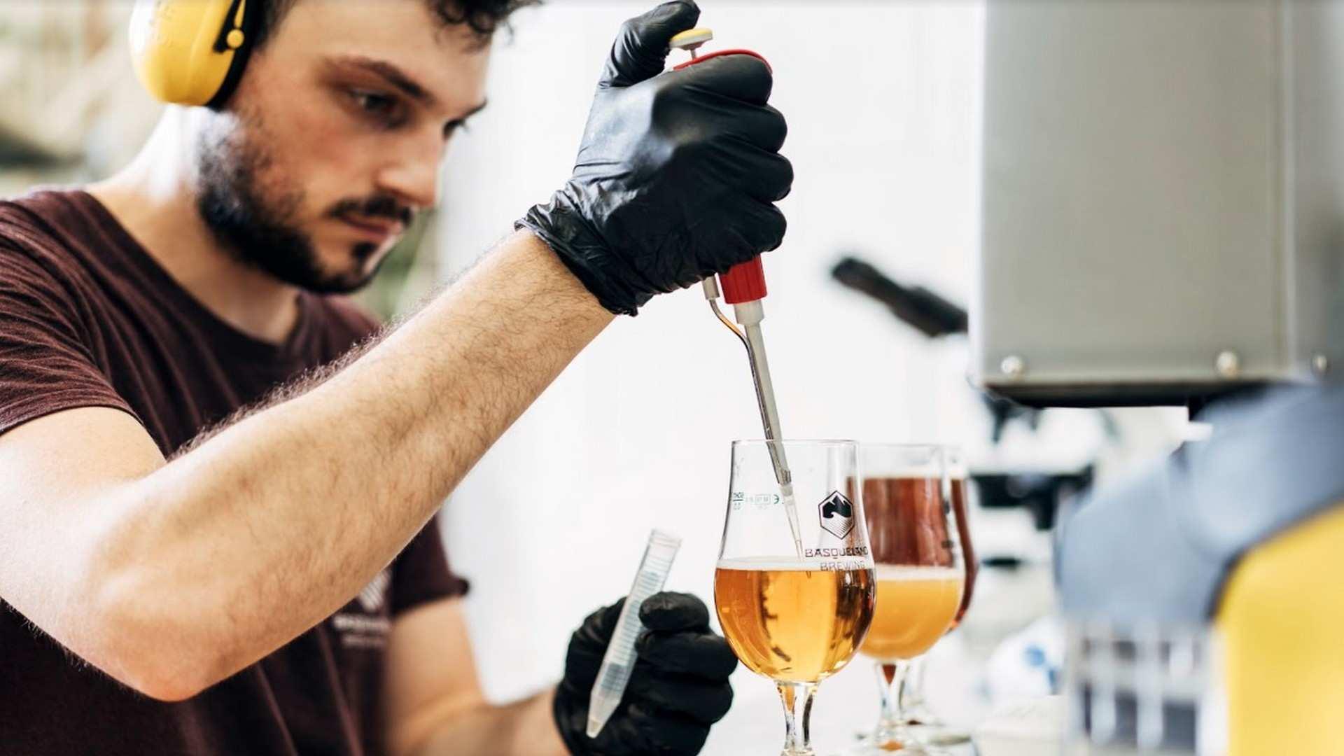 La cerveza artesana se cuela en la alta cocina vasca