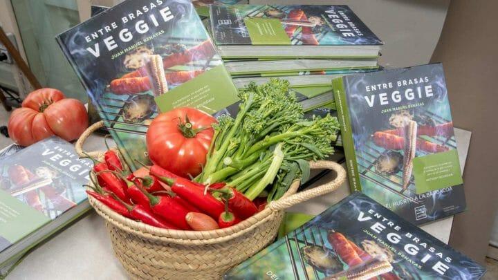 """Se presenta en Madrid el libro """"Entre brasas veggie"""": un homenaje a las barbacoas con vegetales"""