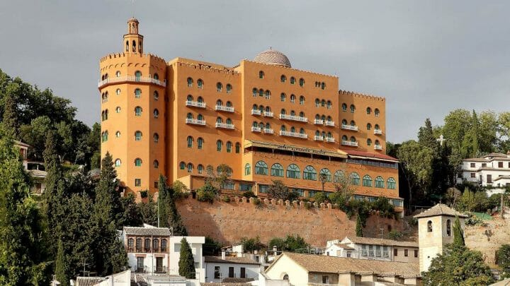 El mítico hotel Alhambra Palace reabre sus puertas el 1 de Septiembre tras año y medio cerrado