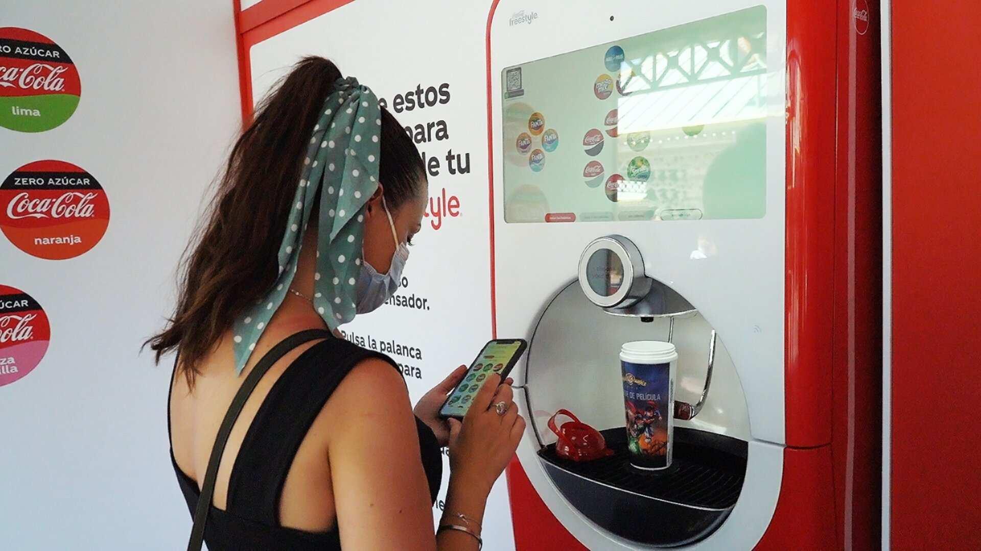 Innovador sistema de dispensado de bebidas pionero en España de Coca-Cola y Warner