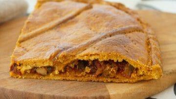 Receta de empanada gallega de ventresca de bonito y tomate