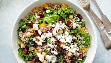 Receta de ensalada de quinoa y queso fresco de Burgos